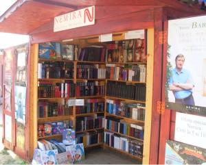 Librarie Nemira la mare
